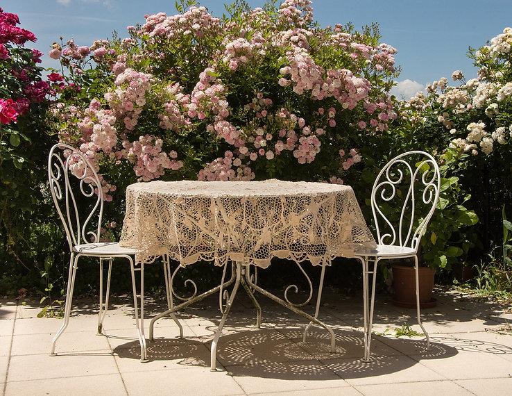 table-1489057_1280.jpg