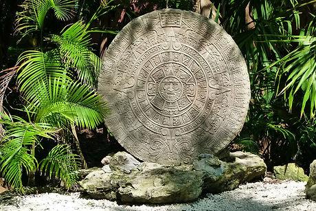 the-aztec-calendar-204821_1280.jpg