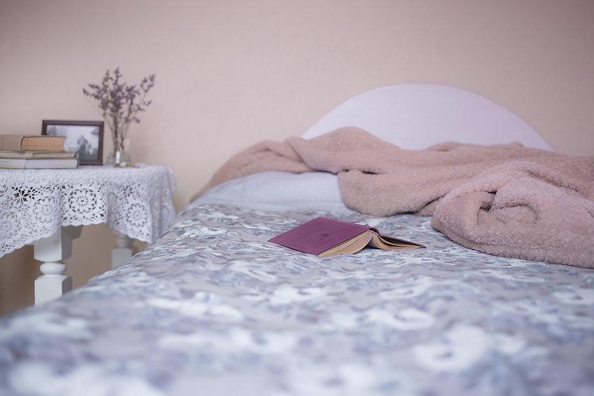 bed-1846251_1280.jpg