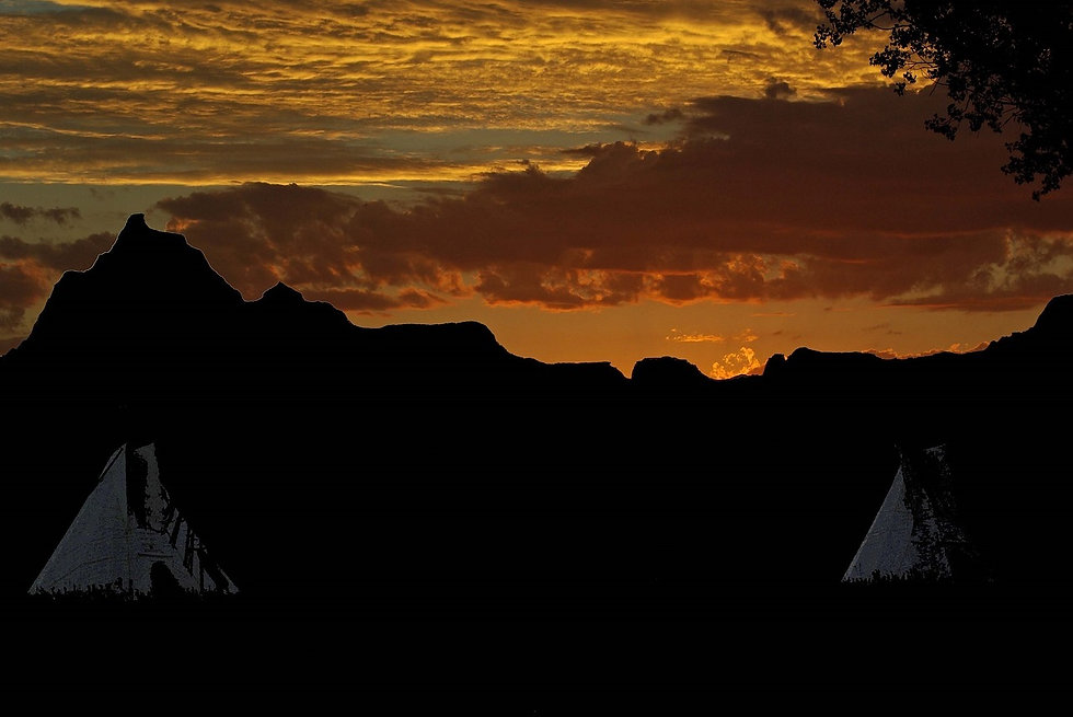 sunset-1740640_1280.jpg