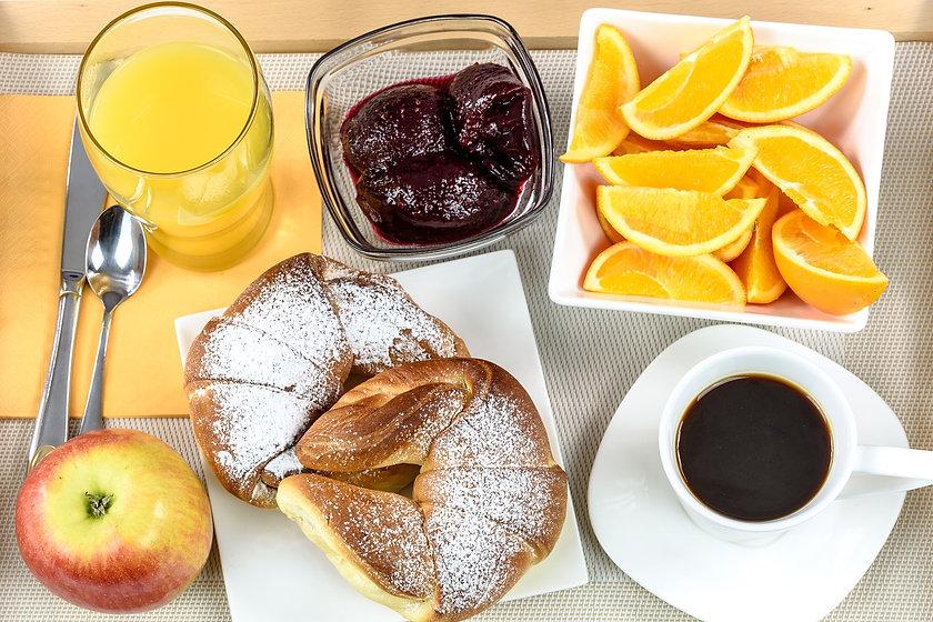 breakfast-hotel-1921530_1280.jpg