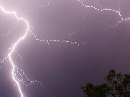 Météo: Attention aux orages localisés mais parfois violents ce soir et cette nuit en Auvergne et oue