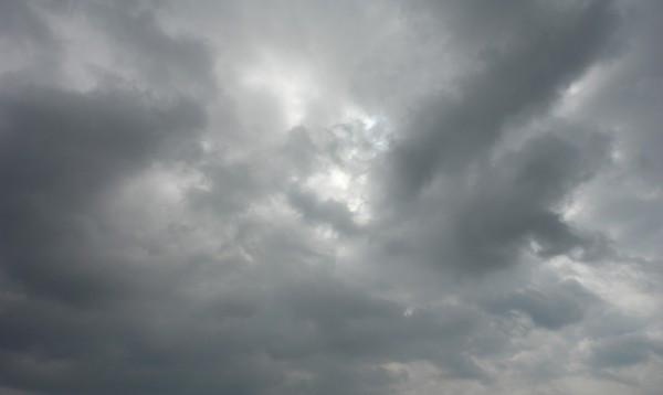 normal_ciel_nuageux_tres_gris_et_contraste.jpg