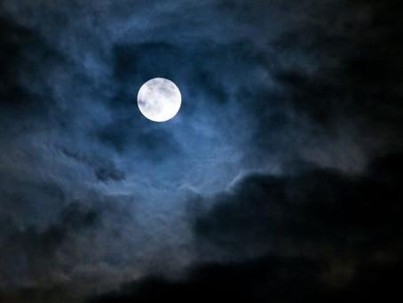 Jupiter , Saturne , Station spatiale Internationale , éclipse de Lune, une soirée magique dans votre