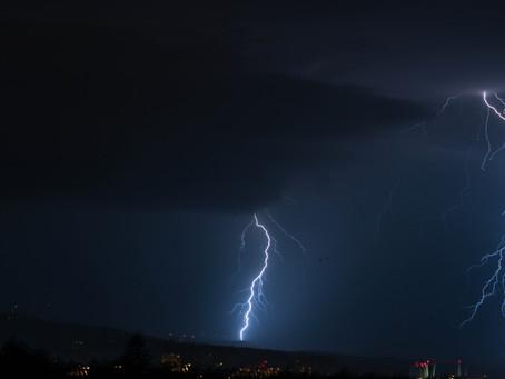 Cantal,Haute-Loire, Puy-de-Dôme, Loire, Attention aux orages parfois violents ce dimanche en fin de