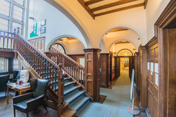 The entrance corridor and hall (1)
