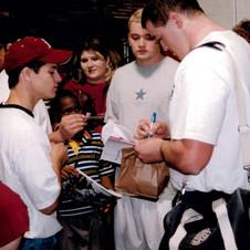 Autographs-after-Game-1998-e1473977200169.jpg