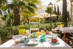 FincaHotel Can Coll Frühstück auf unserer Terrasse