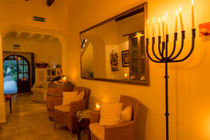 FincaHotel Can Coll Eingangsbereich am Abend