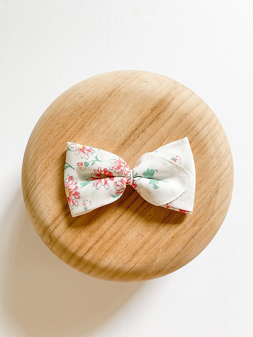RTS Mikaela   Vintage Handkerchief Bow