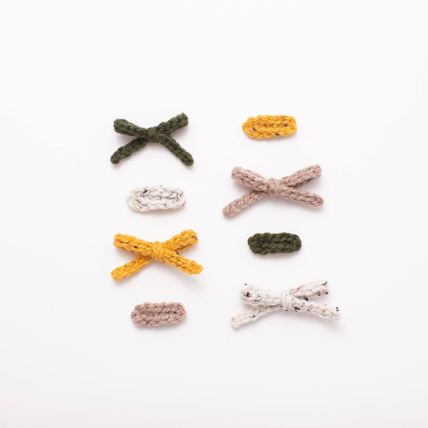 Knit Bows & Clips