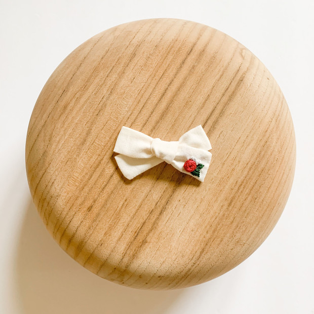 Embroidered Fabric Bows & Clips