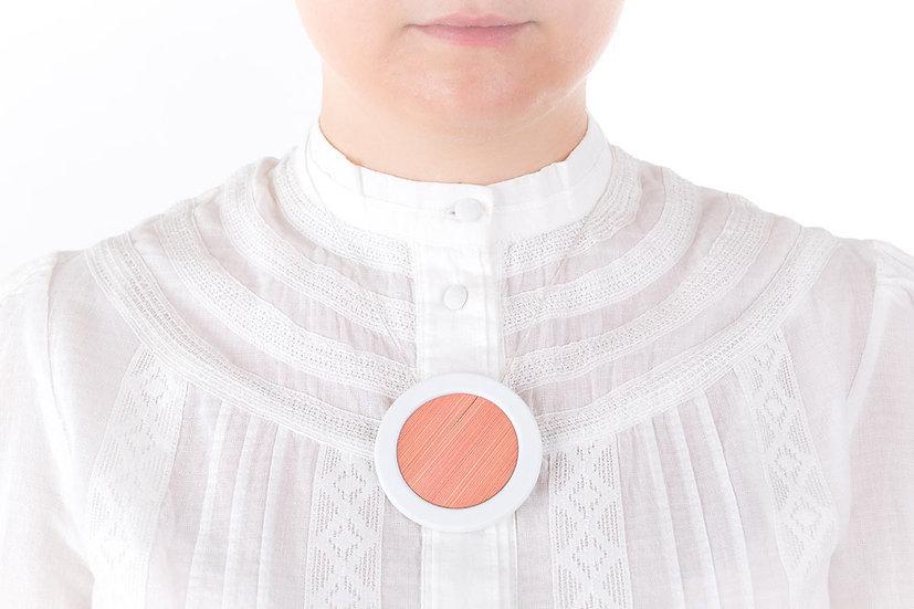 L'Atelier du Blanc - sautoir pendentif rond Rose Poudré | Paille & Porcelaine