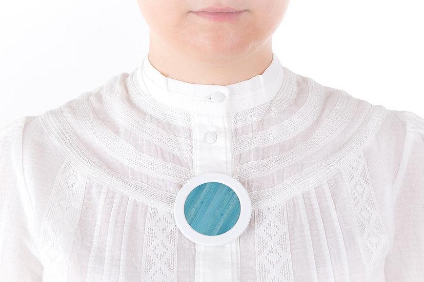 L'Atelier du Blanc - Sautoir pendentif rond Bleu Ciel   Paille & Porcelaine