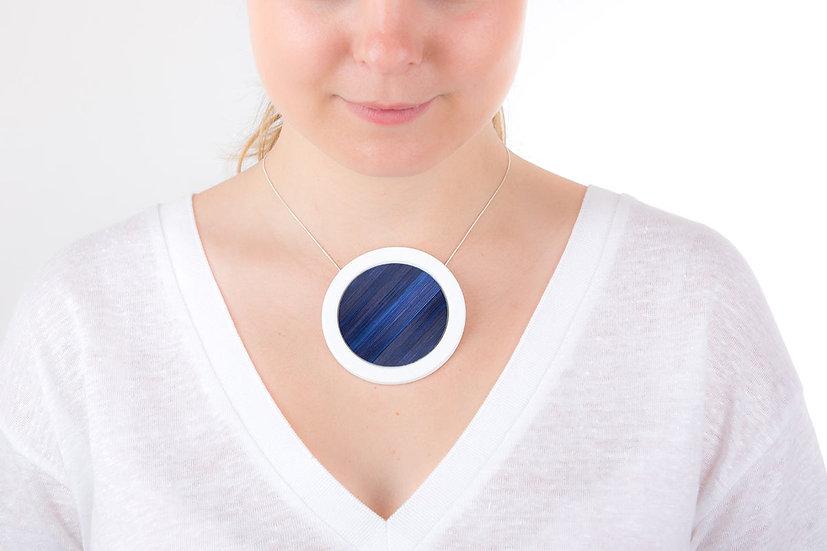 L'Atelier du Blanc - Gros pendentif rond Bleu Nuit | Paille & Porcelaine