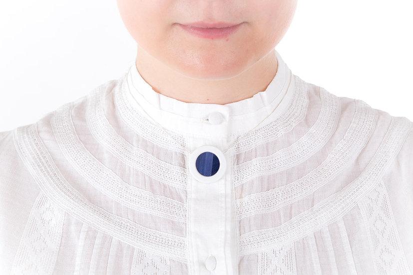 L'Atelier du Blanc - Collier petit pendentif Bleu Nuit |  Paille & Porcelaine