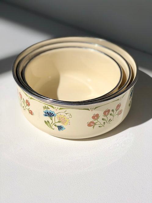 enamel mixing bowls (set of 3)