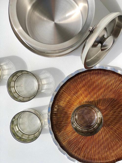 round metal tray