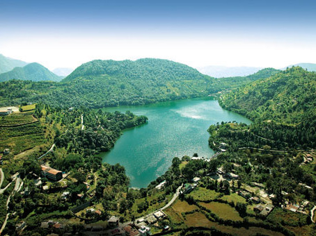 about naukuchiatal lake