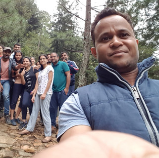 group trekking nainital.jpg