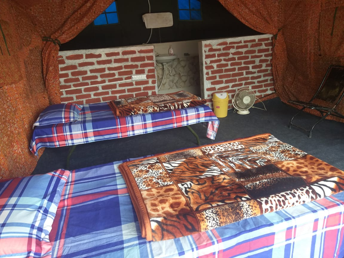 camp inside pic