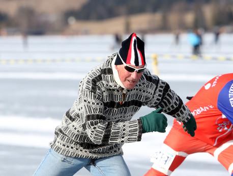 Langs de ijsbaan De Westfries