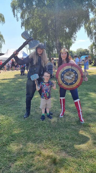 Thor, Wonder Woman keeping people happy