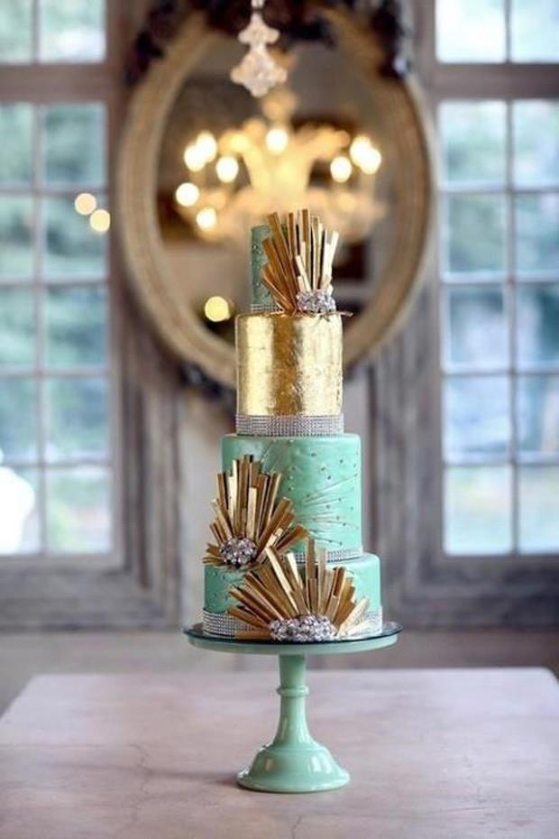 Lucite-Green-Gold-Wedding-Cake.jpg