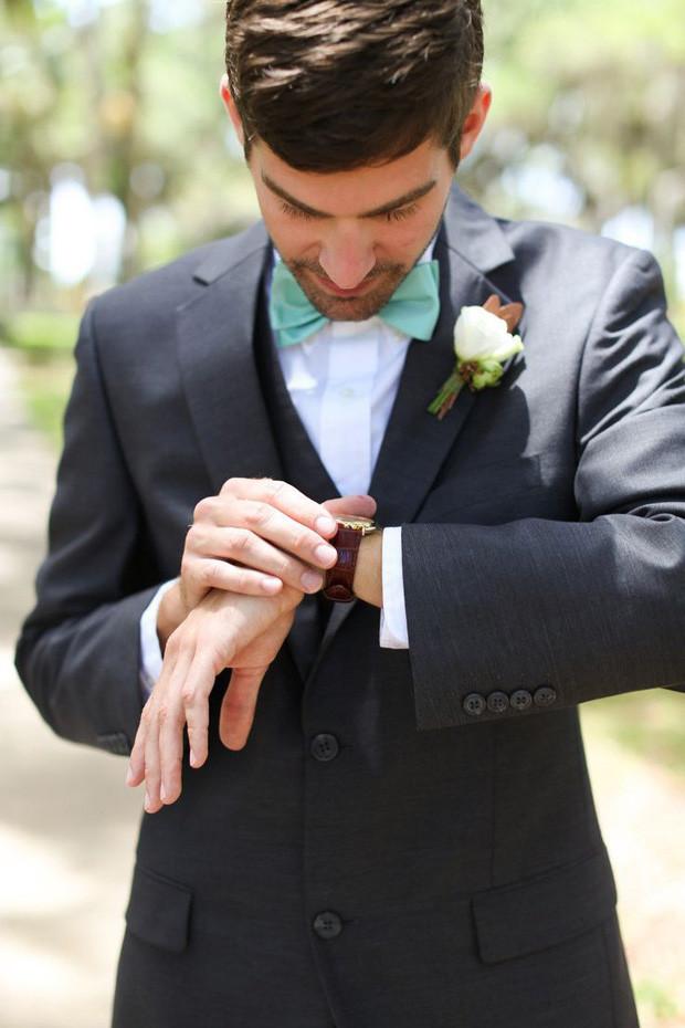 Lucite-Green-Wedding-Bow-Tie.jpg