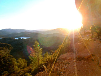 coucher de soleil sur les falaises d