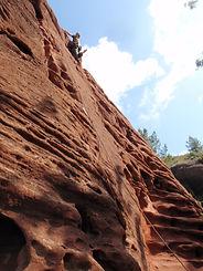 le grès de la falaise de siurana