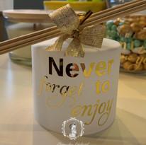 Huisparfumfles wit/goud.