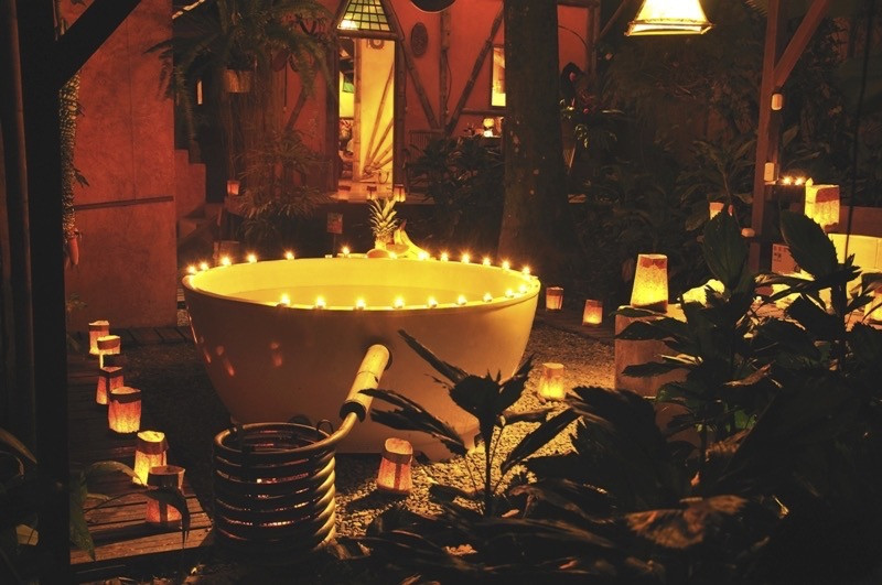 Outdoor Bathtub at Tree House Lounge Resort, Costa Rica