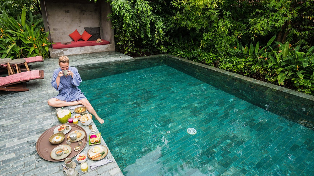 Breakfast in a pool suite