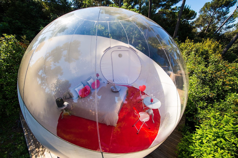 Attrap Reves bubble hotel France