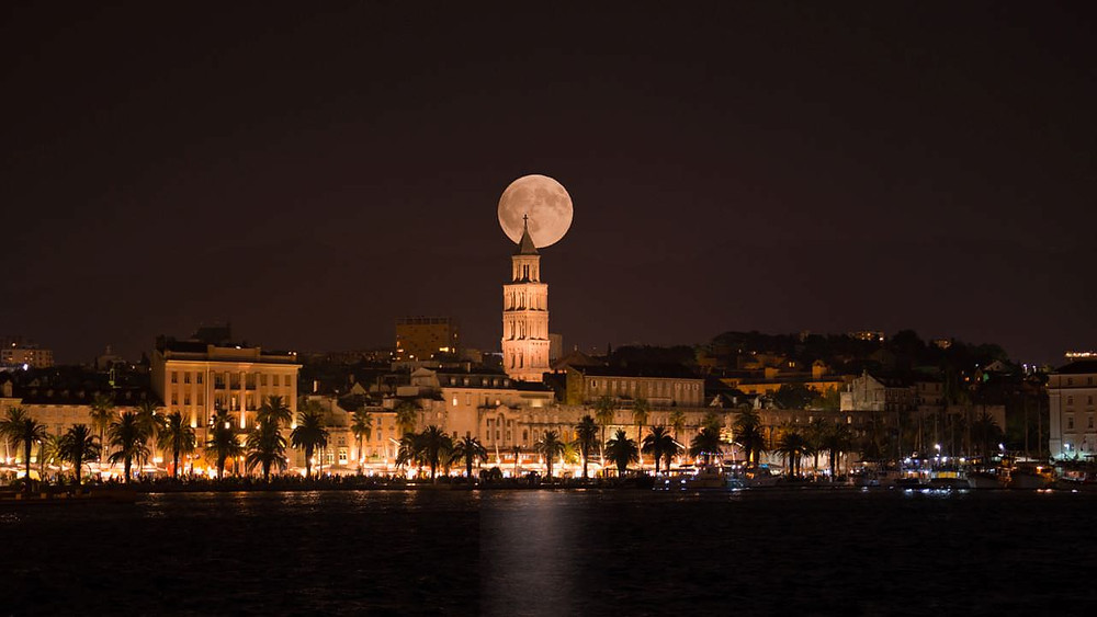Split waterfront full moon