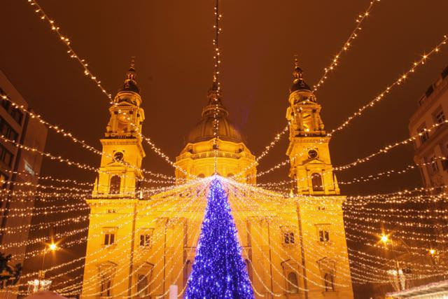 Saint Stephen's Basilica at Christmas