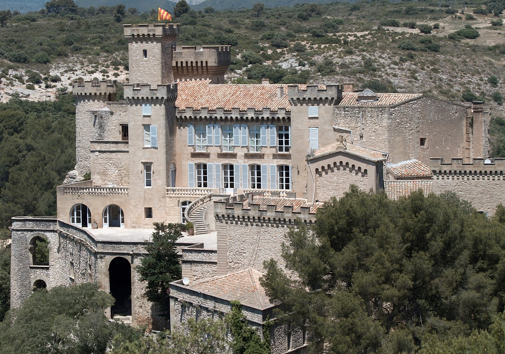 Chateau de la Barben castel hotel and museum in France