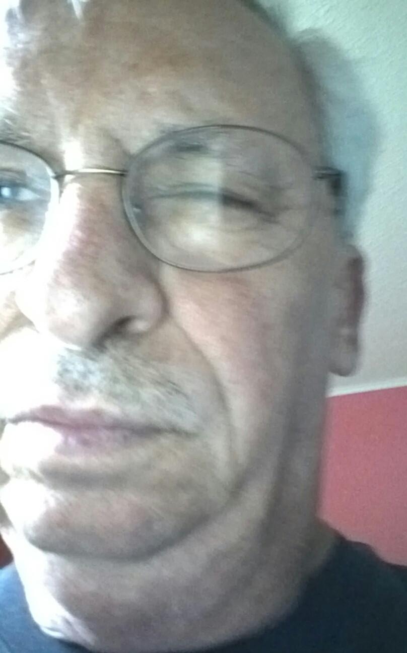 Bruce Mundhenke