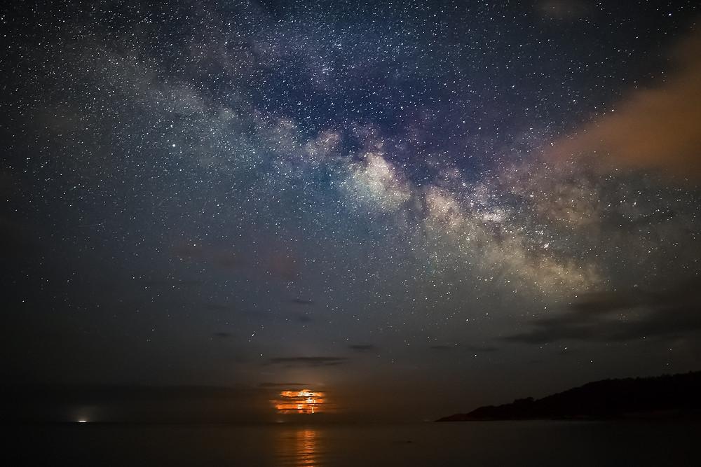Pixabay, Milky Way over water, image by Lars Nissen Photoart