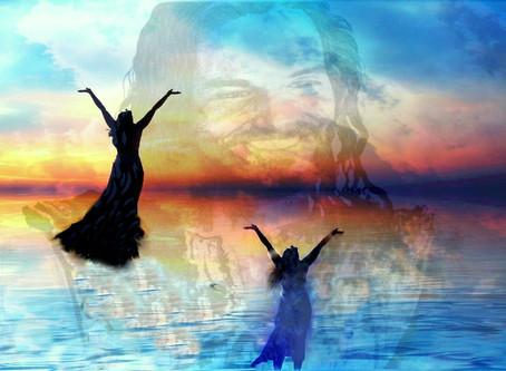 """Visual Art: """"Worshiping the King"""""""