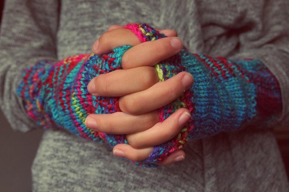 Spirit Fire Review/Knitting Hands/Lambert