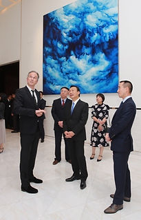 Melco Resorts & Entertainment opened its Art Macao contribution yesterday at its Morpheus hotel. The opening ceremony was held on the 23rd floor of the hotel tower; a floor normally reserved for diners at its Chinese restaurant, but now open to the public for the five consecutive months of the Art Macao festival.  Melco is contributing 11 art pieces for this festival, with one now being displayed at the Macao Museum of Art. The other 10 pieces are on show at City of Dreams...