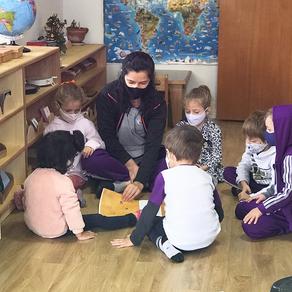 Uma escola não seriada, Escola Lega Montessori uma escola com turmas agrupadas em triênios.