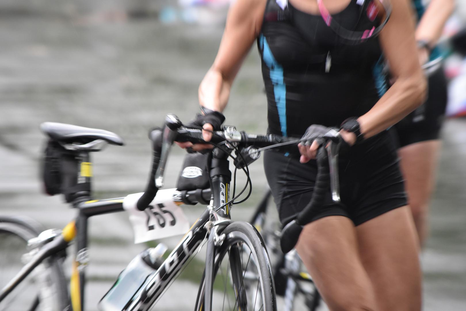 Lindyfitnessbar triathlon.jpg