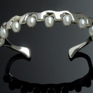 Bracelet in White gold with pearls