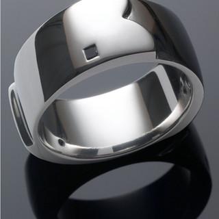 White gold ring with princess cut black diamonds