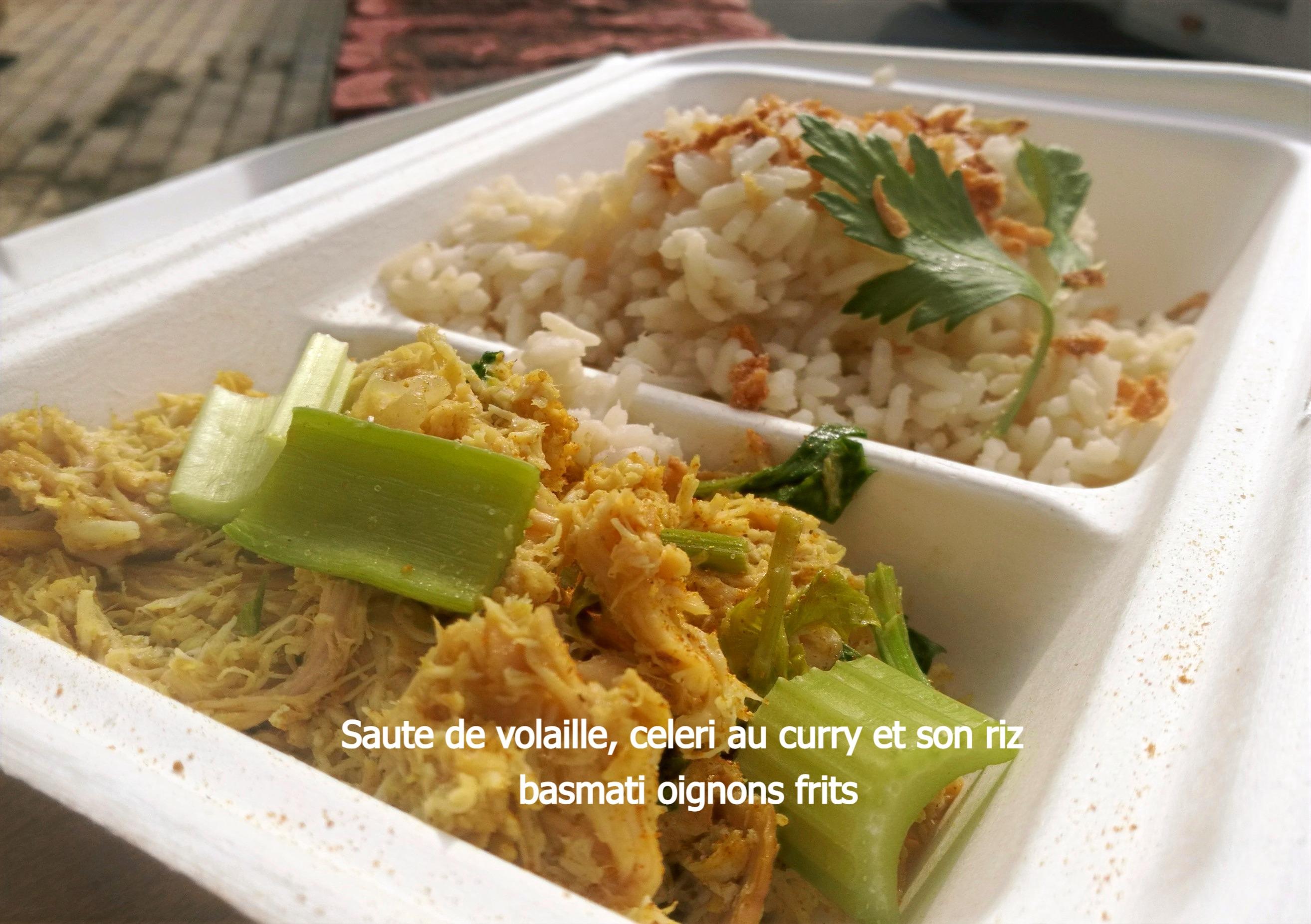 Saute de volaille, celeri au curry et son riz basmati oignons frits