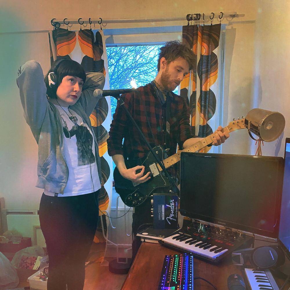 Amanda och Johnny i Uptown studios