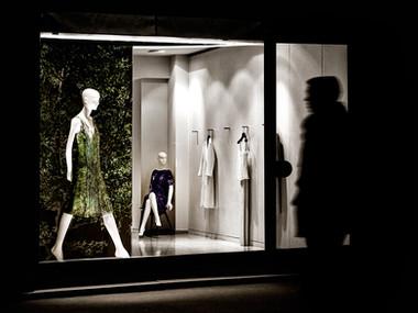 Repartee on Avenue Montaign (Paris, 2010)
